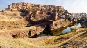 堡垒印度乔德普尔城mehrangarh全景 免版税库存图片