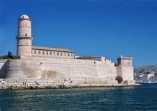 堡垒圣约翰在马赛,法国港口:以纪念耶路撒冷的圣约翰的中世纪堡垒,修造在15世纪 免版税库存图片