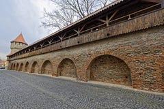 堡垒墙壁和塔锡比乌罗马尼亚的木垒 免版税库存图片