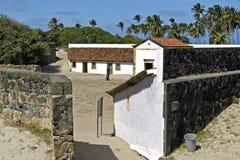 堡垒桔子、庭院和防御墙壁 免版税图库摄影