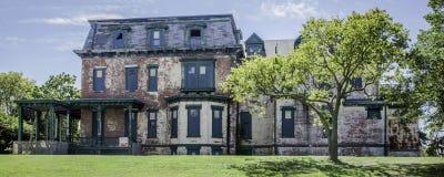 堡垒汉考克毁坏了大厦全景 库存照片