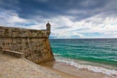 堡垒葡萄牙sesimbra 库存图片