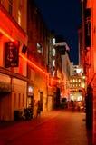 堡垒车道在奥克兰街市在晚上 免版税库存图片