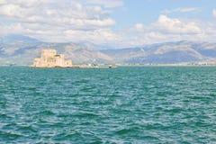 堡垒Bourtzi, Nafplion,希腊港口  库存照片