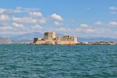 堡垒Bourtzi, Nafplion,希腊港口  库存图片