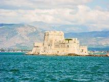 堡垒Bourtzi, Nafplion,希腊港口  免版税库存图片