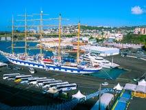 堡垒de法国,马提尼克岛- 2013年2月08日:船在港口,加勒比 库存图片