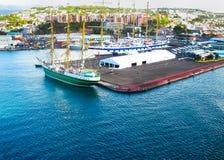 堡垒de法国,马提尼克岛- 2013年2月08日:船在港口,加勒比 图库摄影