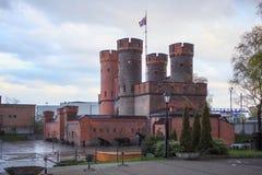 堡垒Friedrichsburg的新哥特式门在加里宁格勒Konigsberg,俄罗斯 库存照片