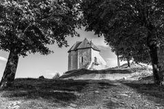 堡垒Sokolac的遗骸在Brinje,克罗地亚村庄  库存图片