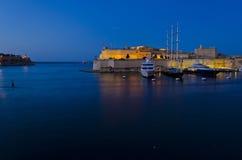 堡垒St.安吉洛在夜间-马耳他 库存照片