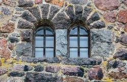 维堡城堡镇的古老石墙的片段  免版税库存照片