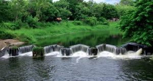 堤堰水河 库存照片