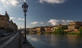堤防在佛罗伦萨 免版税图库摄影