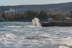 堤防在市费奥多西亚 免版税库存照片