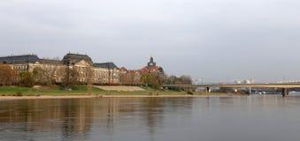 堤防在德累斯顿,德国的历史的中心 免版税库存图片