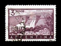 堤防水坝` El Nihuil `, serie,大约1956年 免版税库存照片