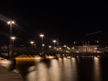 从堤防的看法在贵族议院里在斯德哥尔摩 瑞典 05 11 2015年 免版税库存照片