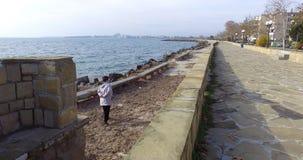 堤防的石装饰在波摩莱,保加利亚手段的  库存照片