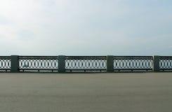堤防的篱芭 图库摄影