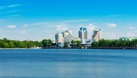 堤防2013年6月5日的叶卡捷琳堡市 库存图片