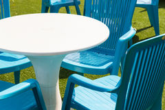 塑料书桌和椅子 免版税库存图片