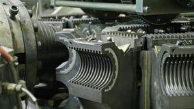 塑料水管制造  管制造业对工厂的 做塑料管子的过程在 股票视频
