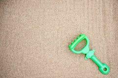 塑料犁耙玩具 免版税库存图片