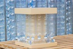 塑料瓶,回收空的使用的塑料的概念装瓶没使用的塑料瓶 免版税库存图片