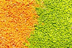 塑料的聚合物染料 在粒子的颜料 塑料gra 免版税库存照片