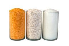 塑料聚丙烯成串珠状,工业多颜色粒子 免版税库存图片
