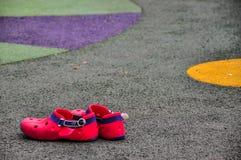 塑料鞋子 库存图片