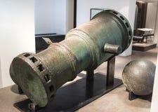 塑象金属大炮 奥赛博物馆  免版税库存照片
