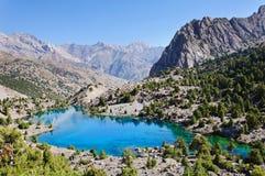 塔吉克斯坦的庄严山湖 图库摄影