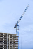 塔吊和建造场所 图库摄影
