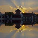 塔和反射,苏州,中国 免版税图库摄影