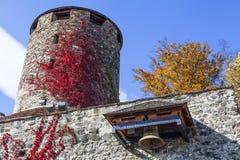 塔和响铃从城堡Deutschlandsberg在西施蒂里亚vi 库存图片