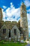 塔和坟园Cashel岩石的在爱尔兰 免版税库存照片