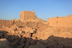 塔和废墟在马萨达高原,以色列 免版税图库摄影