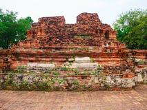塔和废墟老古老墙壁 免版税库存图片