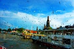 塔在雨中 库存图片
