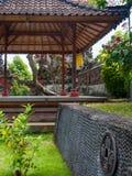塔在巴厘语庭院里 库存照片