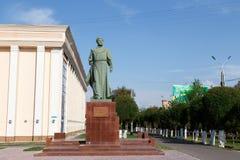塔拉兹,哈萨克斯坦- 2016年8月14日:纪念碑B Momyshuly 免版税库存照片