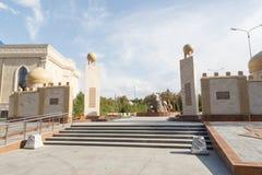 塔拉兹,哈萨克斯坦- 2016年8月14日:建筑合奏 库存照片