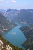 塔拉山和德里纳河河峡谷 图库摄影