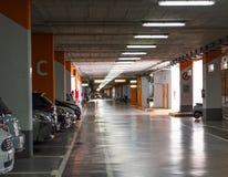 塔拉贡纳,西班牙- 2017年9月17日:地下停车场的看法 复制文本的空间 库存照片