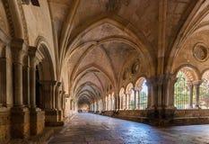 塔拉贡纳,西班牙- 2017年10月4日:塔拉贡纳天主教徒大教堂大教堂的内部  复制文本的空间 免版税库存照片