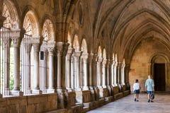 塔拉贡纳,西班牙- 2017年10月4日:塔拉贡纳天主教徒大教堂大教堂的内部  复制文本的空间 免版税库存图片