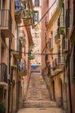 塔拉贡纳狭窄街道在西班牙 免版税图库摄影
