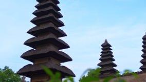 塔曼阿云寺的手扶的射击巴厘岛的 影视素材